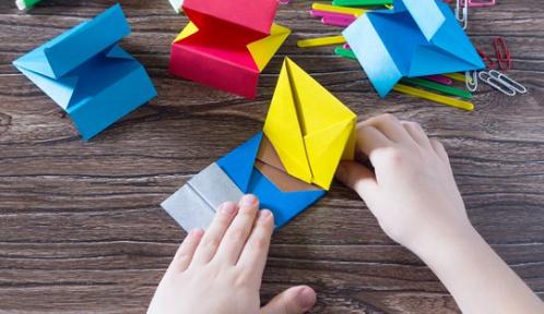 Praca i dziecko origami